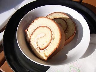 黒塩キャラメルロールケーキ