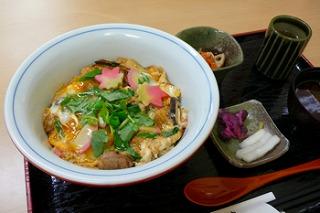 播州百日鶏の木の葉丼