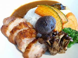 7種の旬野菜と丹波地鶏のカレー