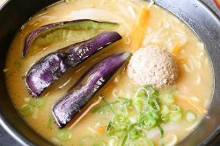 ヤマトポークの味噌そぼろ 水なすラーメン
