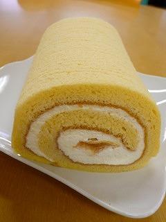 白桃はちみつロールケーキ