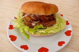 めちゃうま赤松角煮バーガー